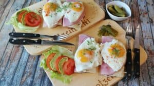 how to cook eggs without oil