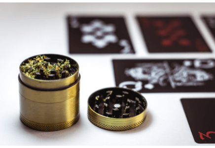 How To Use A Kief Grinder Doesn't Have To Be Hard. Read These 7 Tips
